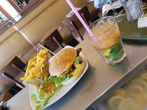 Burger et mojito 1
